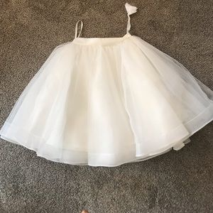 Dresses & Skirts - Beautiful ivory tulle skirt tutu